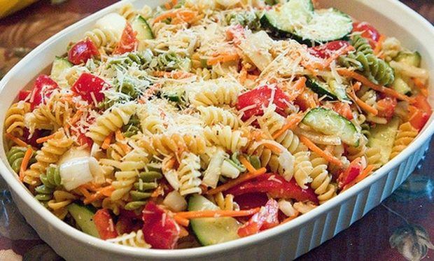 Συνταγή για υπέροχη μακαρονοσαλάτα με λαχανικά!