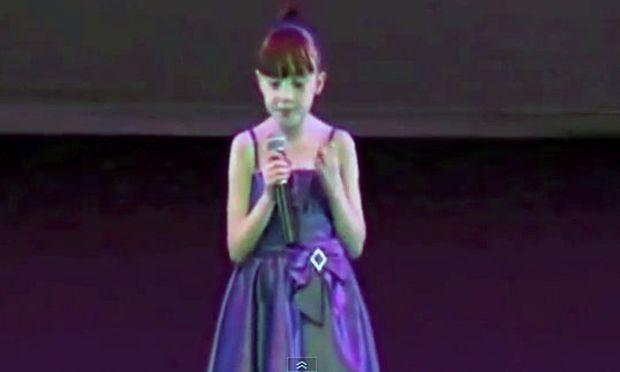 Το κοριτσάκι με τον αυτισμό και το απίστευτο ταλέντο που θα σας συγκινήσει! (βίντεο)