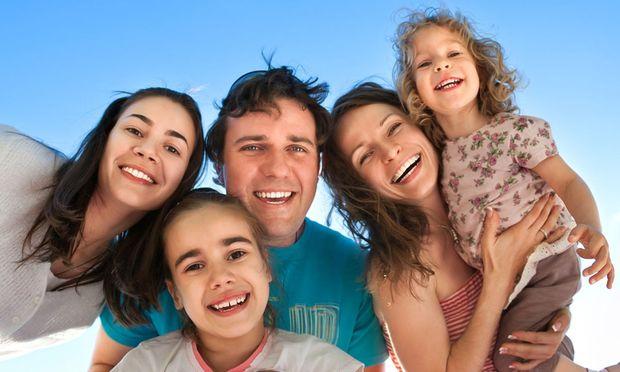 Ξεκίνησαν σήμερα οι καταβολές των οικογενειακών επιδομάτων!