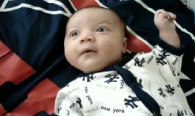 Ένα μωρό μες στους… ήχους! (βίντεο)