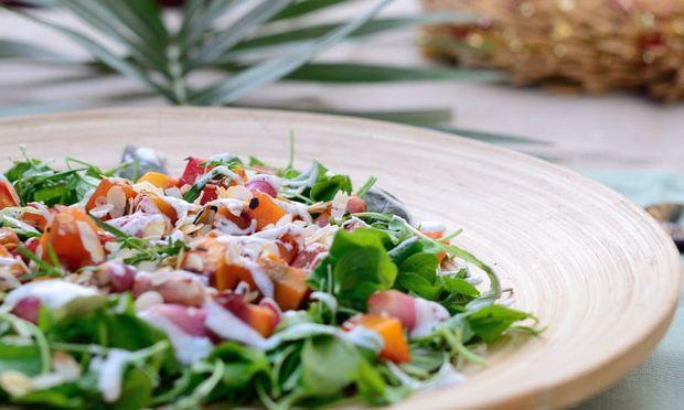 Συνταγή για την πιο νόστιμη φθινοπωρινή σαλάτα