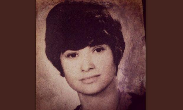 Είναι μαμά γνωστής Ελληνίδας τραγουδίστριας και υποστηρίζει ότι μοιάζουν πολύ! Εσείς τι λέτε;