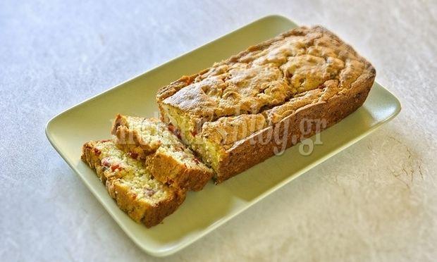 Συνταγή για πεντανόστιμο αλμυρό κέικ με μπέικον, μυζήθρα και κόκκινη πιπεριά από τον Γιώργο Γεράρδο