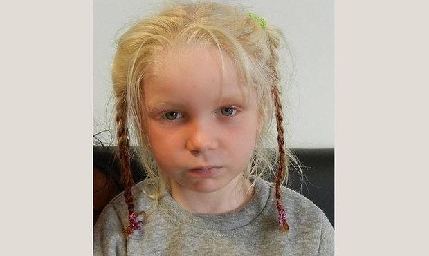 Αυτό είναι το κοριτσάκι που βρέθηκε σε καταυλισμό Ρομά στα Φάρσαλα (φωτογραφίες)