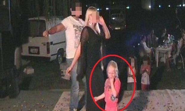 Το βίντεο ντοκουμέντο με τη μικρή Μαρία να χορεύει σε καταυλισμό (βίντεο, φωτογραφίες)