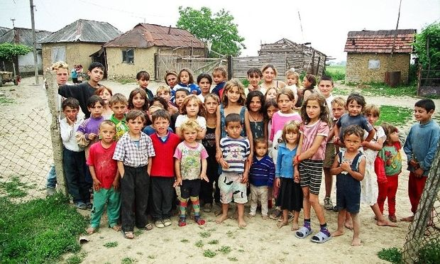 New York Times: Πώς η οικονομική κρίση έχει επηρεάσει τις οικογένειες Ρομά στην Ευρώπη;