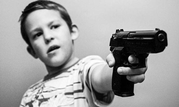 11χρονος συνελήφθη γιατί ήθελε να σκοτώσει συμμαθητή του με όπλο