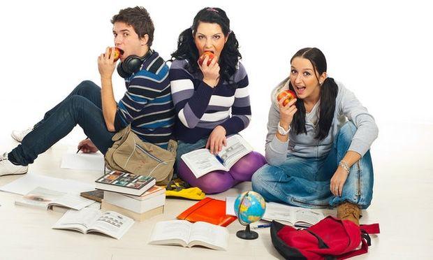 Ποια είναι η ιδανική καθημερινή διατροφή ενός εφήβου;