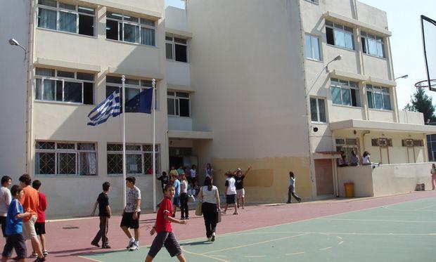 Επεκτείνεται σταδιακά σε όλα τα σχολεία η αξιολόγηση των εκπαιδευτικών και του εκπαιδευτικού Έργου