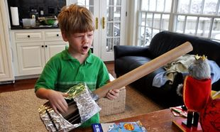 Φτιάξτε παιδική κιθάρα από κουτί παπουτσιών