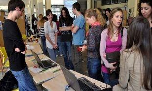 Φοιτητικό Επίδομα - Γιατί καθυστερούν τα χρήματα στους δικαιούχους και πότε θα τα πάρουν