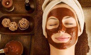 Πώς θα καταπολεμήσετε την πρόωρη γήρανση; Φτιάξτε σπιτική μάσκα προσώπου σε 1 λεπτό!