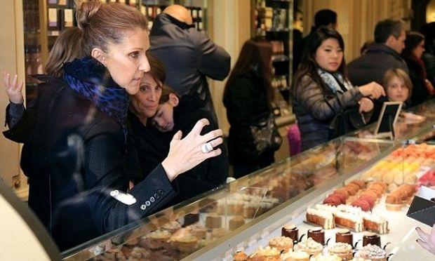 Η πιο «γλυκιά» βόλτα της Σελίν Ντιόν με τα δίδυμα! (φωτογραφίες)