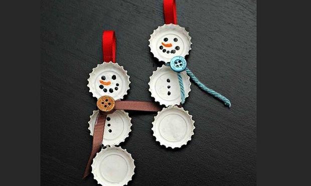 Φτιάξτε Χριστουγεννιάτικα στολίδια-χιονάνθρωπους από καπάκια αναψυκτικών