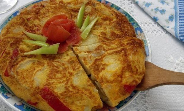 Συνταγή για ομελέτα φούρνου με πατατούλες σε χρόνο ρεκόρ!