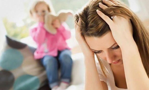 «Δεν έχω δουλειά. Πώς πρέπει να το χειριστώ με το παιδί μου»; Η Αλεξάνδρα Καππάτου μας συμβουλεύει