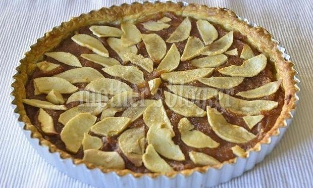 Συνταγή από τον Γιώργο Γεράδρο για μοναδική τάρτα μήλο με μέλι και κανέλα!