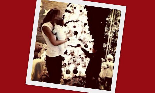 Αγαπημένη Ελληνίδα παρουσιάστρια, στόλισε το δέντρο αγκαλιά με το βρεφάκι της! (εικόνα)