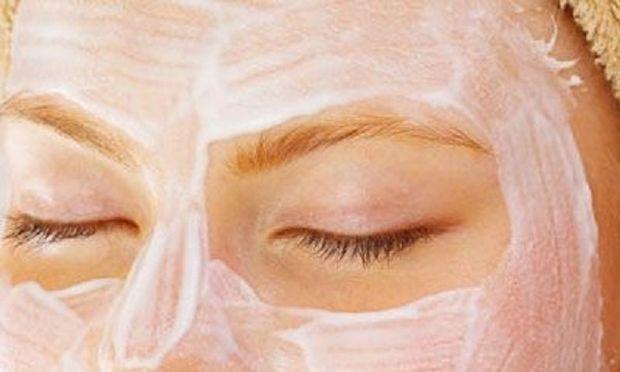 Πίλινγκ, ενυδάτωση, λάμψη σε 5 λεπτά! Αποκτήστε σφριγηλό δέρμα με μία σπιτική μάσκα!