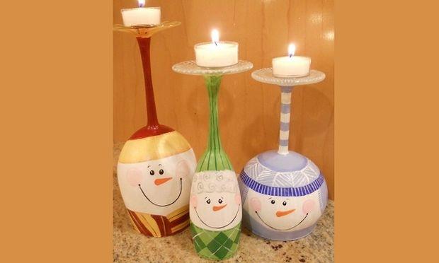 Φτιάξτε όμορφα Χριστουγεννιάτικα κηροπήγια από ποτήρια κρασιού