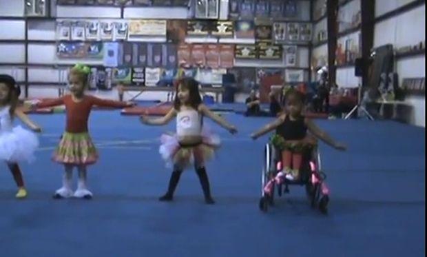 Το 4χρονο κορίτσι που έκανε την αναπηρία της τέχνη! (βίντεο)