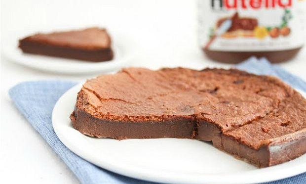 Συνταγή για κέικ σοκολάτας μόνο με 2 υλικά