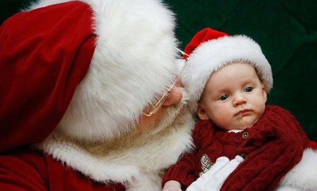 «Μαμά, υπάρχει Αγιος Βασίλης;». Τι μπορούμε να απαντήσουμε στα παιδιά μας!