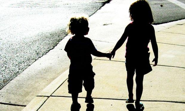 Πρωτότυπη έρευνα: Οι γονείς έχουν την τάση να βλέπουν τα παιδιά τους πιο κοντά σε ύψος!