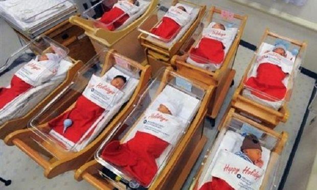 Μωρά …σε κάλτσες αγιοβασιλιάτικες! (εικόνες)