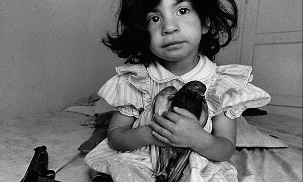 Μεγαλώνοντας μέσα στη βία και στα όπλα-Οι φωτογραφίες που συγκλονίζουν