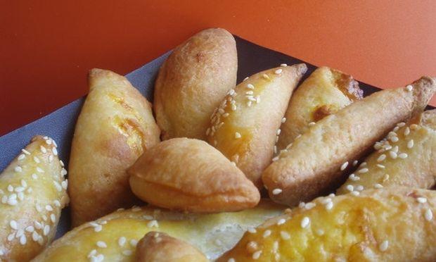 Συνταγή για τα πιο εύκολα και γρήγορα τυροπιτάκια
