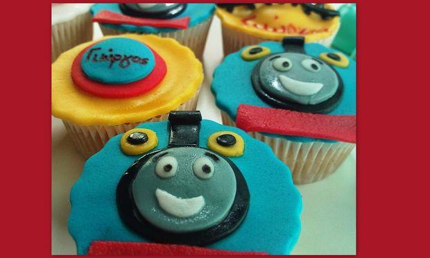 My cakes - My hobby! Φτιάχνουμε cupcakes, Tόμας το τρενάκι!