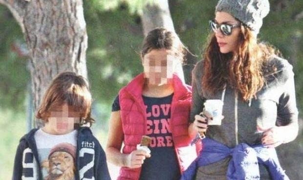 Δέσποινα Βανδή: Για παγωτό με τα παιδιά της! (εικόνες)