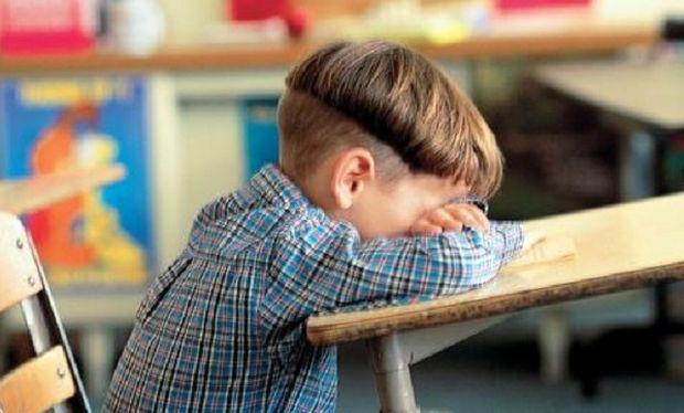 Πατέρας 8χρονου στην Άρτα: «Τα παιδιά γρονθοκόπησαν το γιο μου κι ο δάσκαλος καθόταν κι έβλεπε»