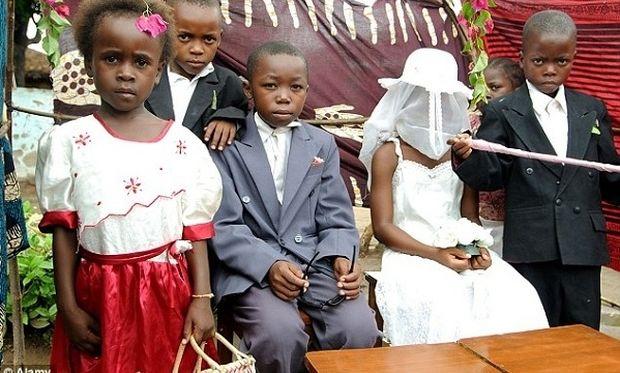 Παντρεύτηκε στα 10 της, γέννησε στα 13, έμεινε χήρα στα 14 και τώρα μάχεται για τα δικαιώματα των παιδιών (εικόνες)
