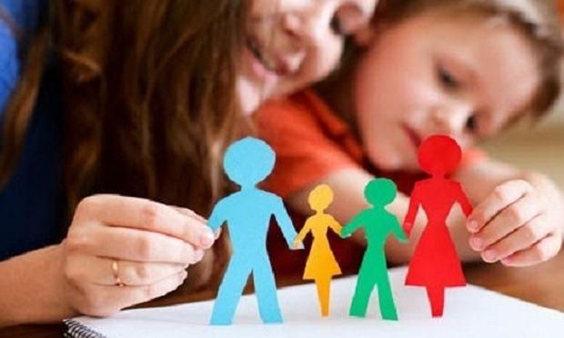 Φιλελεύθεροι γονείς: Εξίσου «επικίνδυνοι» με τους αυταρχικούς
