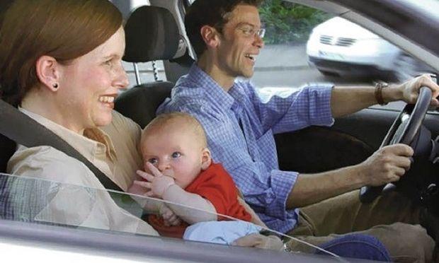 «Συγχαρητήρια! Μόλις μετέτρεψες το παιδί σου σε αερόσακο!», γράφει η Ελένη Κεχαγιά