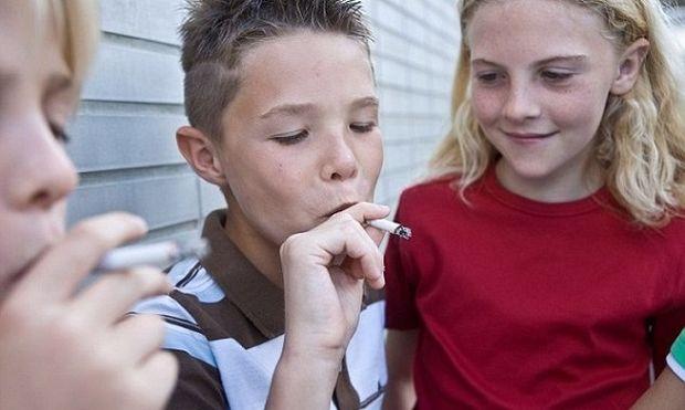 Ερευνα: Φουγάρα τα Ελληνόπουλα! Ξεκινούν το κάπνισμα από επτά ετών