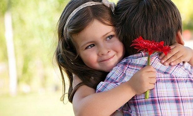 Παιδικοί έρωτες! Πώς πρέπει να μιλήσουμε στο παιδί μας