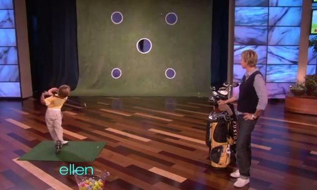 Ο μικρός αξιολάτρευτος γκολφέρ που θα σας «κλέψει» την καρδιά (βίντεο)