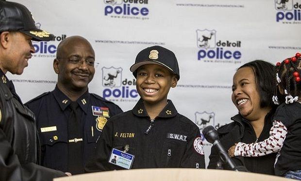 Ο 9χρονος καρκινοπαθής που έγινε αρχηγός της αστυνομίας! (εικόνες, βίντεο)