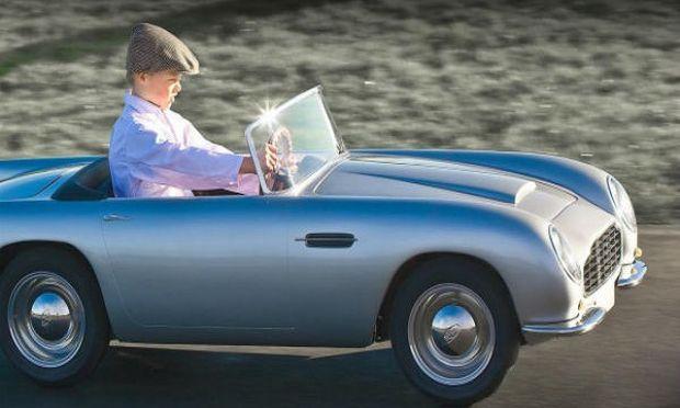 Αυτή είναι η Aston Martin για παιδιά και αξίζει 20.000 ευρώ! (εικόνες+ βίντεο)