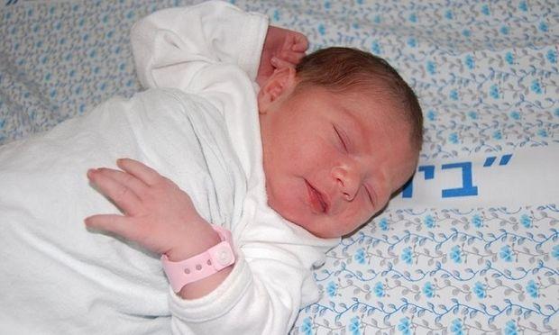Το μωρό του εγκέλαδου! Η Κεφαλλονιά υποδέχθηκε το πρώτο της μωρό μετά τον σεισμό!