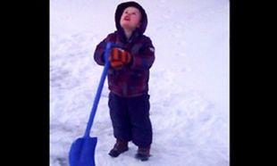 Ο 4χρονος που ζητάει τη βοήθεια του Θεού για να ζεστάνει το χιόνι! (βίντεο)
