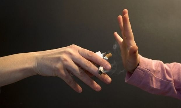 Eρευνα σοκ: Γεμάτα με καρκινογόνες ουσίες τα παιδιά των καπνιστών