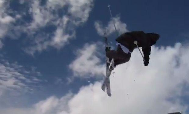 Αυτός ο σκιέρ είναι μόλις 14 χρονών και... «πετάει»! (βίντεο)