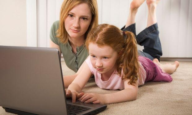 Σήμα κινδύνου από τους παιδοψυχιάτρους για τον εθισμό των νέων στο διαδίκτυο