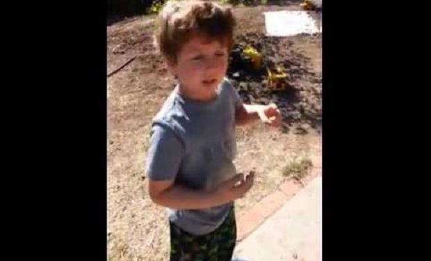 Οταν ένα 5χρονο αυτιστικό αγοράκι παίρνει ένα απρόσμενο δώρο! Το βίντεο που μας συγκίνησε!