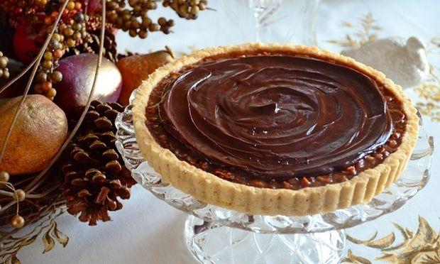Συνταγή για λαχταριστή τάρτα σοκολάτας με μπισκότα