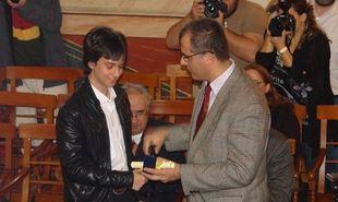 Ο 17χρονος που κέρδισε την Εθνική Μαθηματική Ολυμπιάδα, βάζει πλώρη για τους διεθνείς αγώνες! (εικόνες)